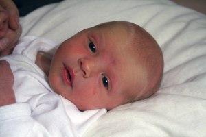 Lena Eira Elvira kom ut ur mor sin kl 14.29  9 december 2009